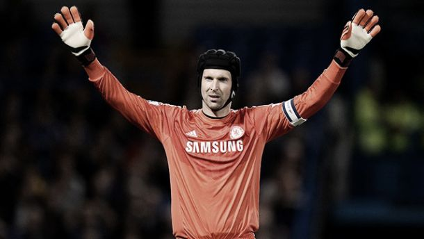 Petr Cech defendiendo al Chelsea. Vía: Getty Images