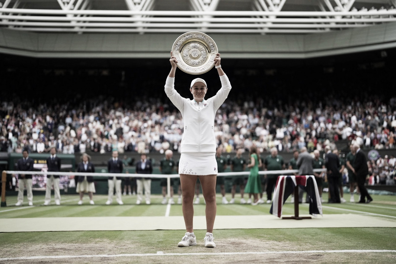 Dez anos após título de juniores, Barty bate Pliskova e é campeã em Wimbledon