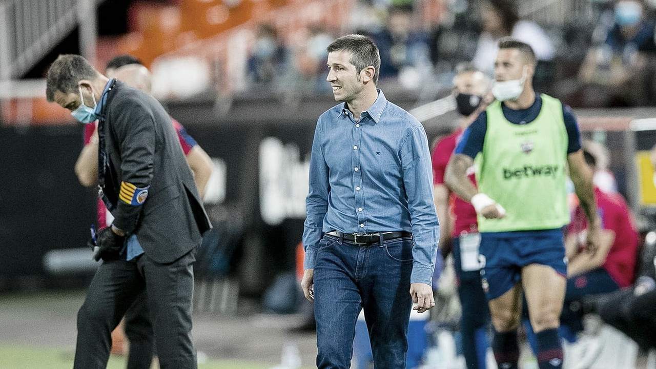 El Valencia anuncia la destitución de Celades