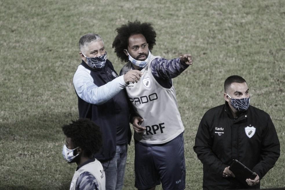 Brusque rechaça acusação de racismo e ameaça entrar na justiça contra Celsinho, do Londrina