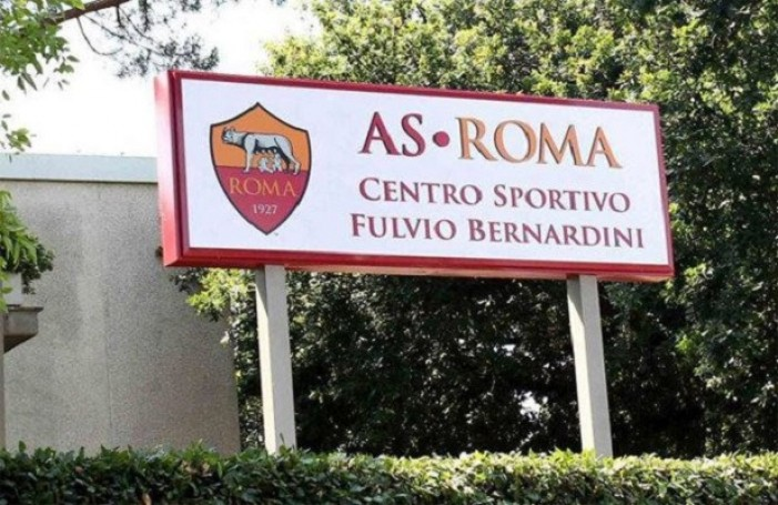 Roma, rosa quasi al completo a Trigoria in direzione Bologna