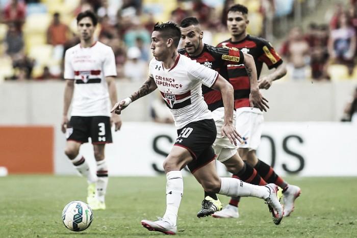 Flamengo e São Paulo duelam no Mané Garrincha visando vaga no G-4