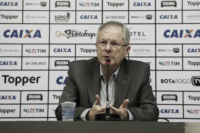 """Presidente do Botafogo descarta mudar mando contra Flamengo: """"Nosso estádio é Nilton Santos"""""""
