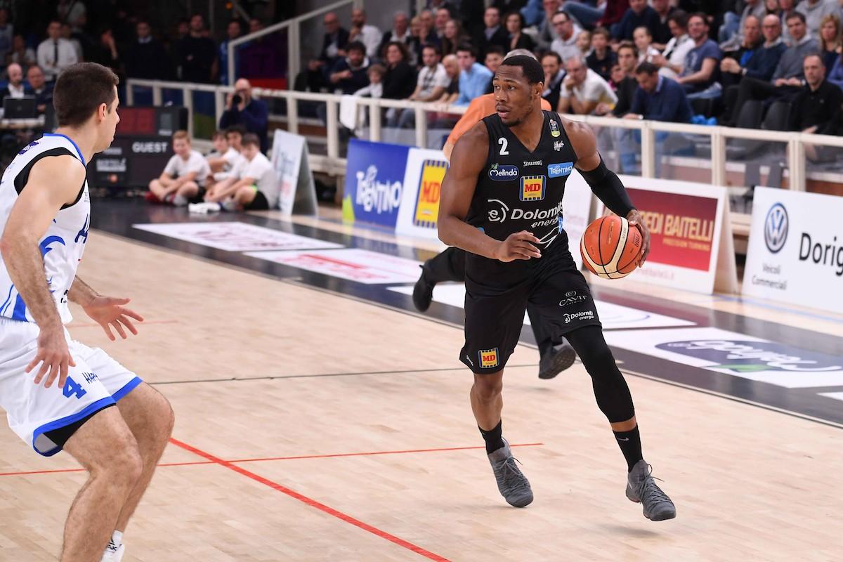 Lega Basket - Trento inanella la terza vittoria consecutiva contro Brindisi (85-68)