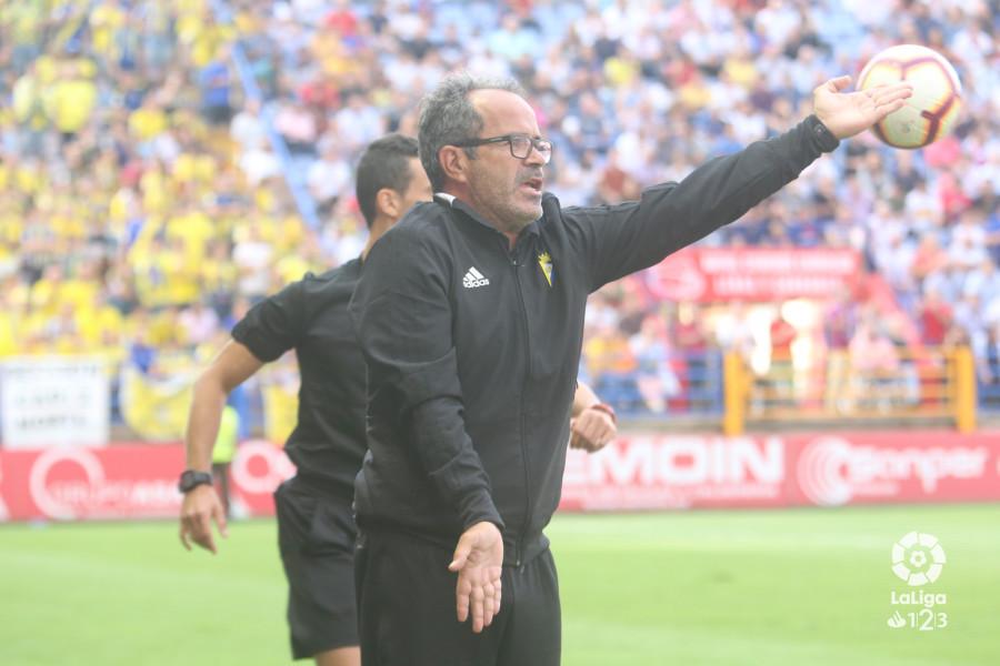 """Álvaro Cervera: """"Falta un jugador importante"""""""