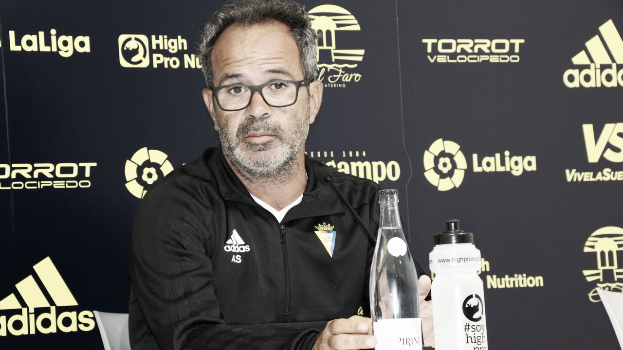 """Cervera: """"Tenemos recambios para Machís y Vallejo"""""""