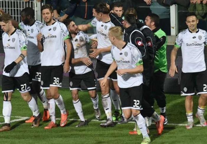 Il Cesena vince 2-1 contro la Pro Vercelli e si riporta in zona playoff