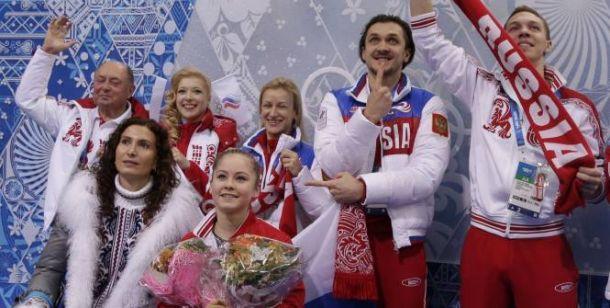 Patinage artistique (par équipes) : Première médaille d'or pour la Russie