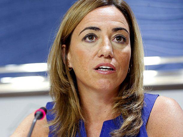 Carmen Chacón parte hacia la isla de Elba