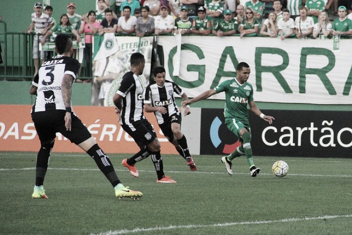 Chapecoense vence clássico local e deixa Figueirense perto do rebaixamento