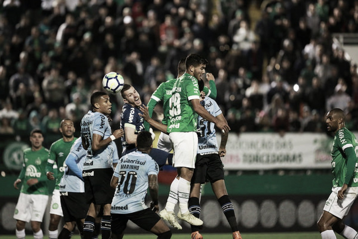 Chapecoense fica no empate contra reservas do Grêmio e continua ameaçada pelo Z-4