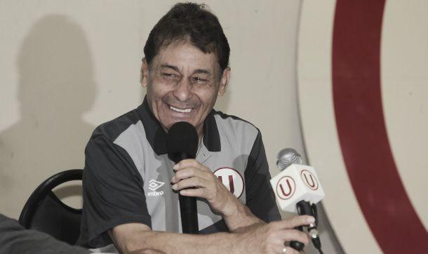 Roberto Challe aceptó quedarse en Universitario