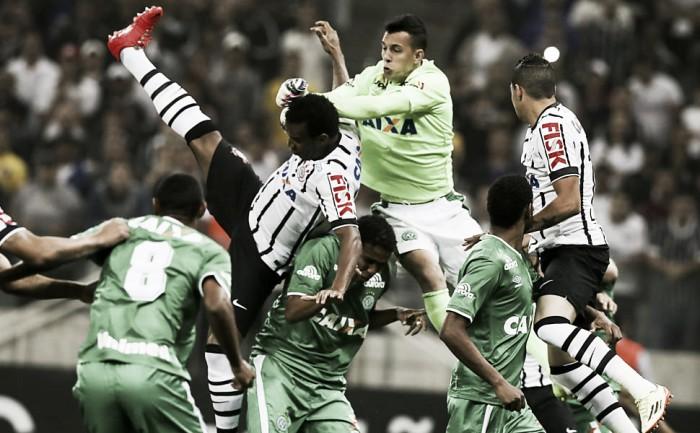 Com aproveitamento impecável na Arena Condá, Corinthians enfrenta Chapecoense