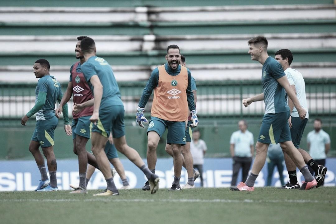 De olho em título inédito, Chapecoense enfrenta Confiança na última rodada da Série B