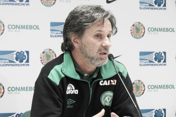 """Caio Júnior comemora feito histórico da Chape, mas ressalta: """"A gente quer mais"""""""