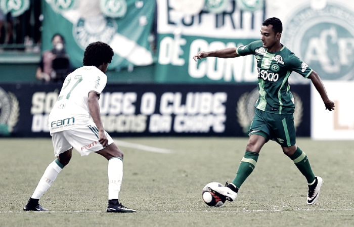 Reeditando último jogo de 2016, Chapecoense recebe vice-líder Palmeiras