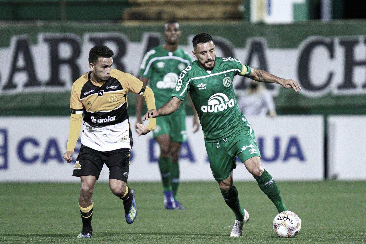 Após perder na ida, Criciúma recebe Chapecoense por vaga à final do Catarinense