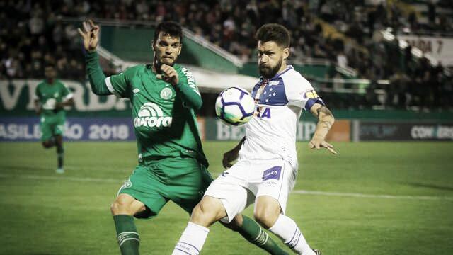 Tranquilidade x desespero: Cruzeiro e Chapecoense se enfrentam no Mineirão