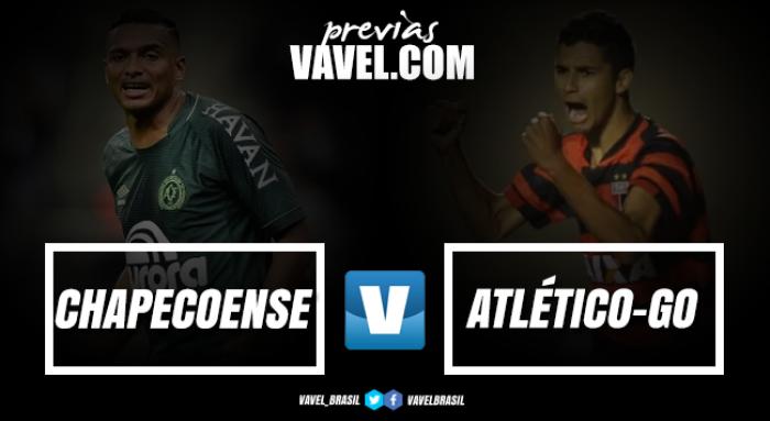 Buscando manter boa fase, Chapecoense recebe lanterna Atlético-GO na Arena Condá