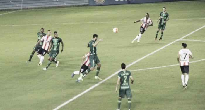 Após revés na Sulamericana, Caio Junior pede caldeirão no jogo da Chapecoense