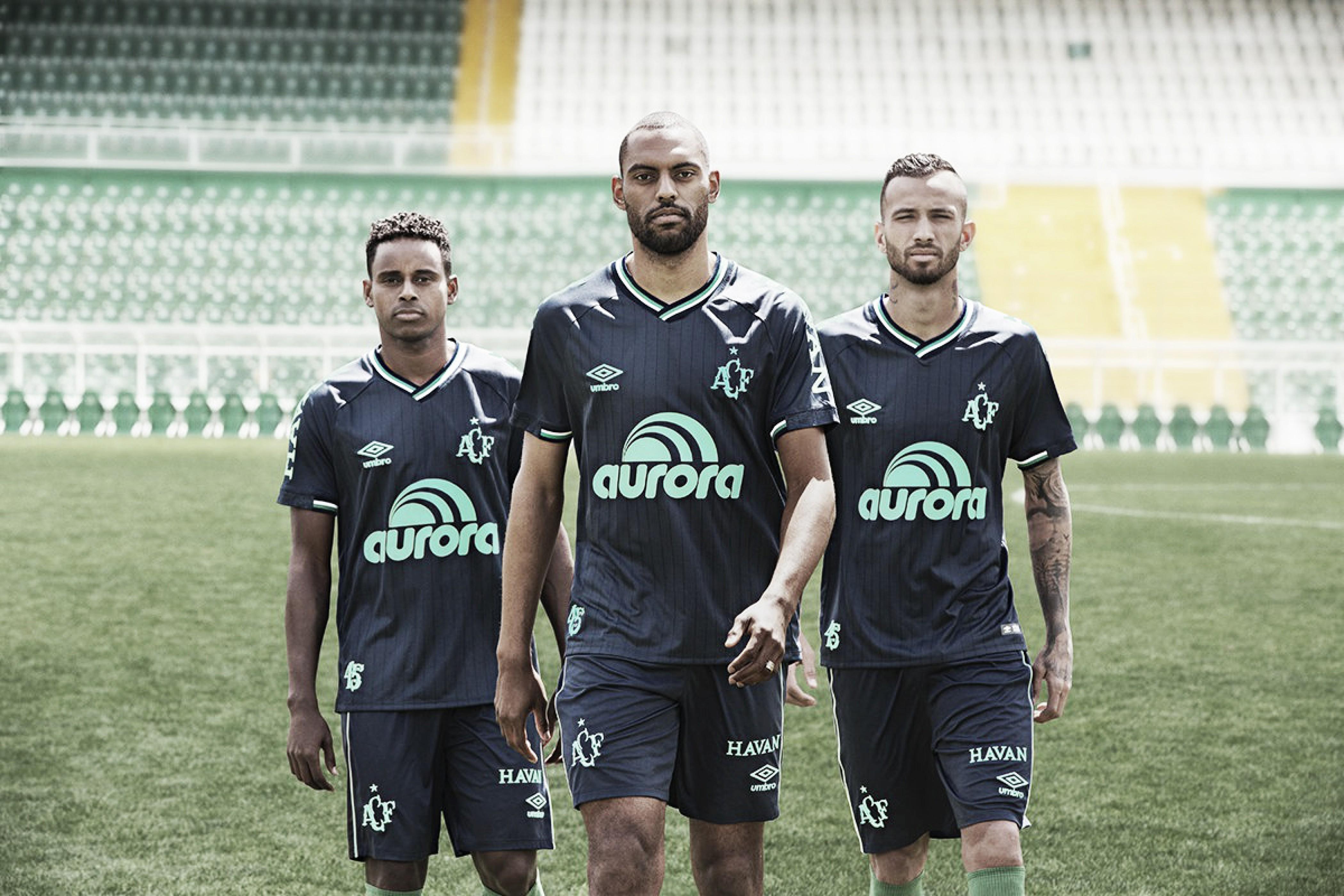 Chapecoense apresenta novo terceiro uniforme para temporada 2018-19