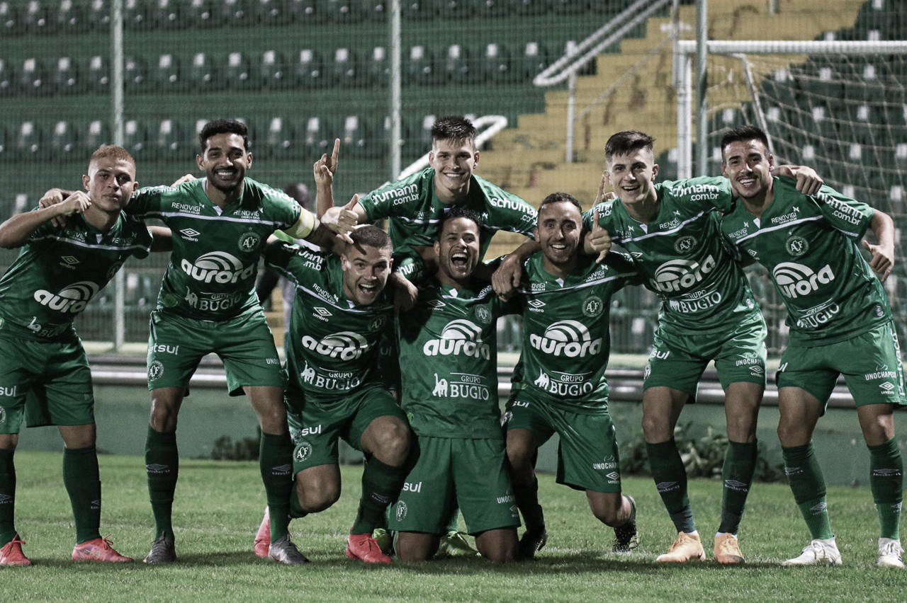 Chapecoense goleia e rebaixa Metropolitano no Campeonato Catarinense