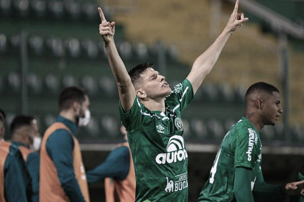 Chapecoense vence Hercílio Luz e avança às semifinais no Campeonato Catarinense