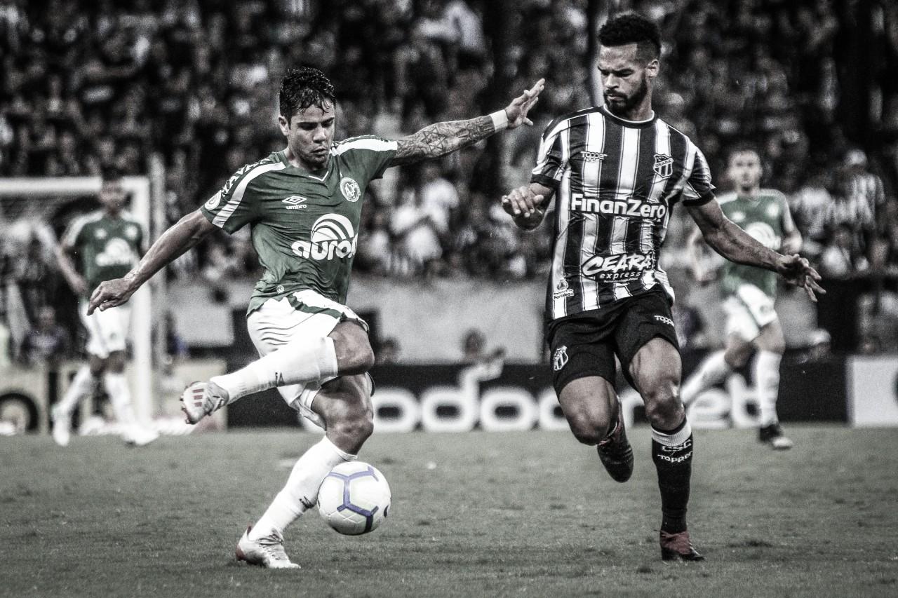 Após eliminações na Copa do Brasil, Chapecoense e Ceará se enfrentam pelo Brasileirão