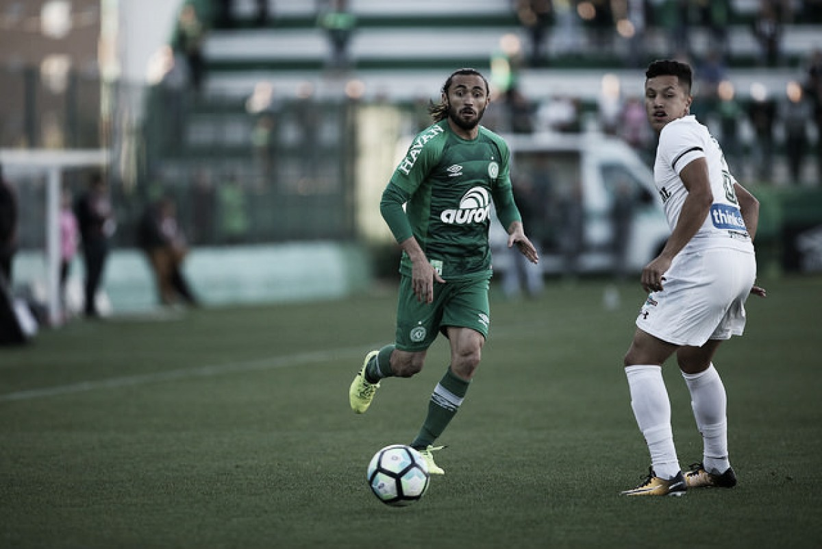 Fluminense enfrenta Chapecoense visando acabar com tabu histórico