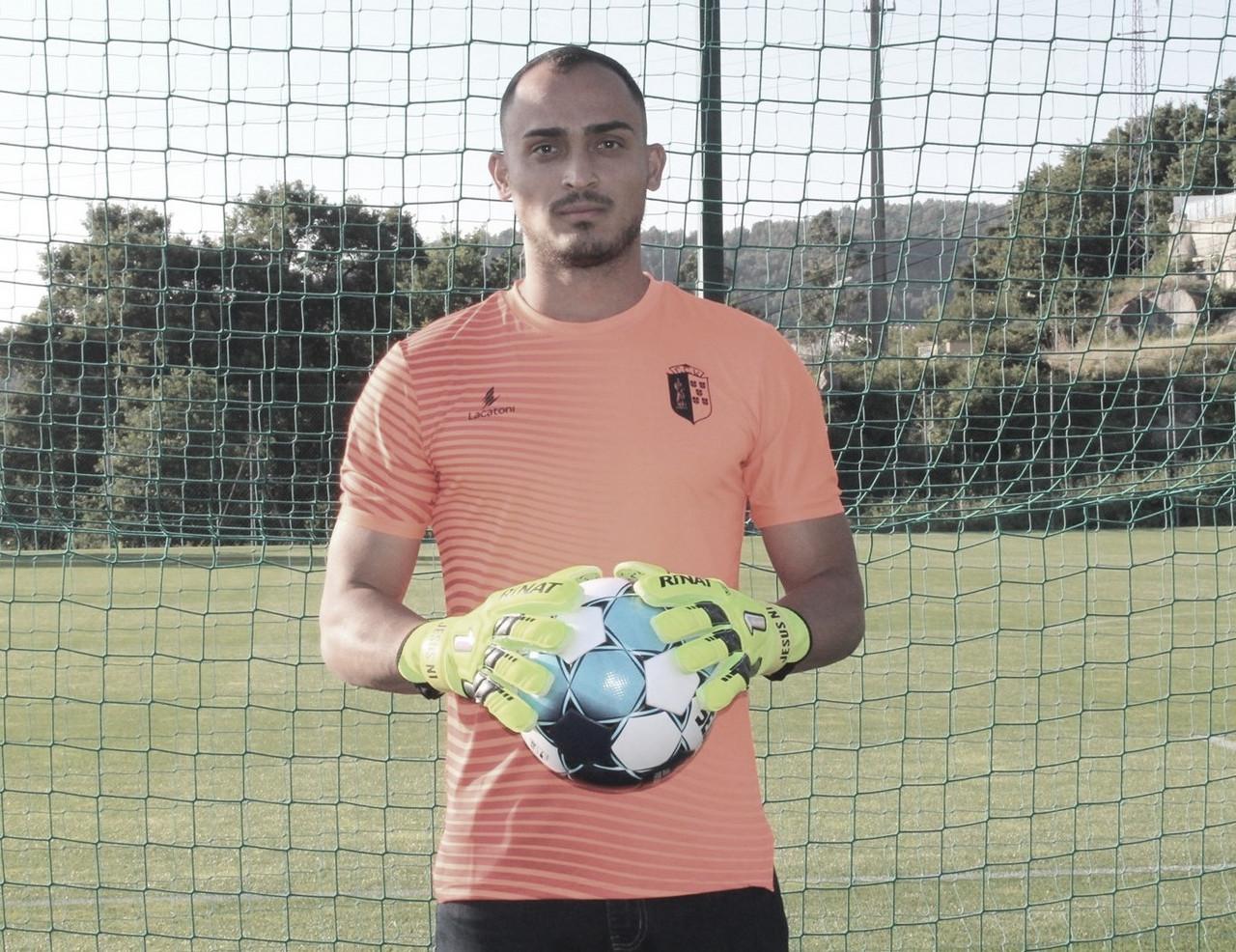 Apresentado no Vizela, Cássio busca destaque no retorno da equipe à elite portuguesa
