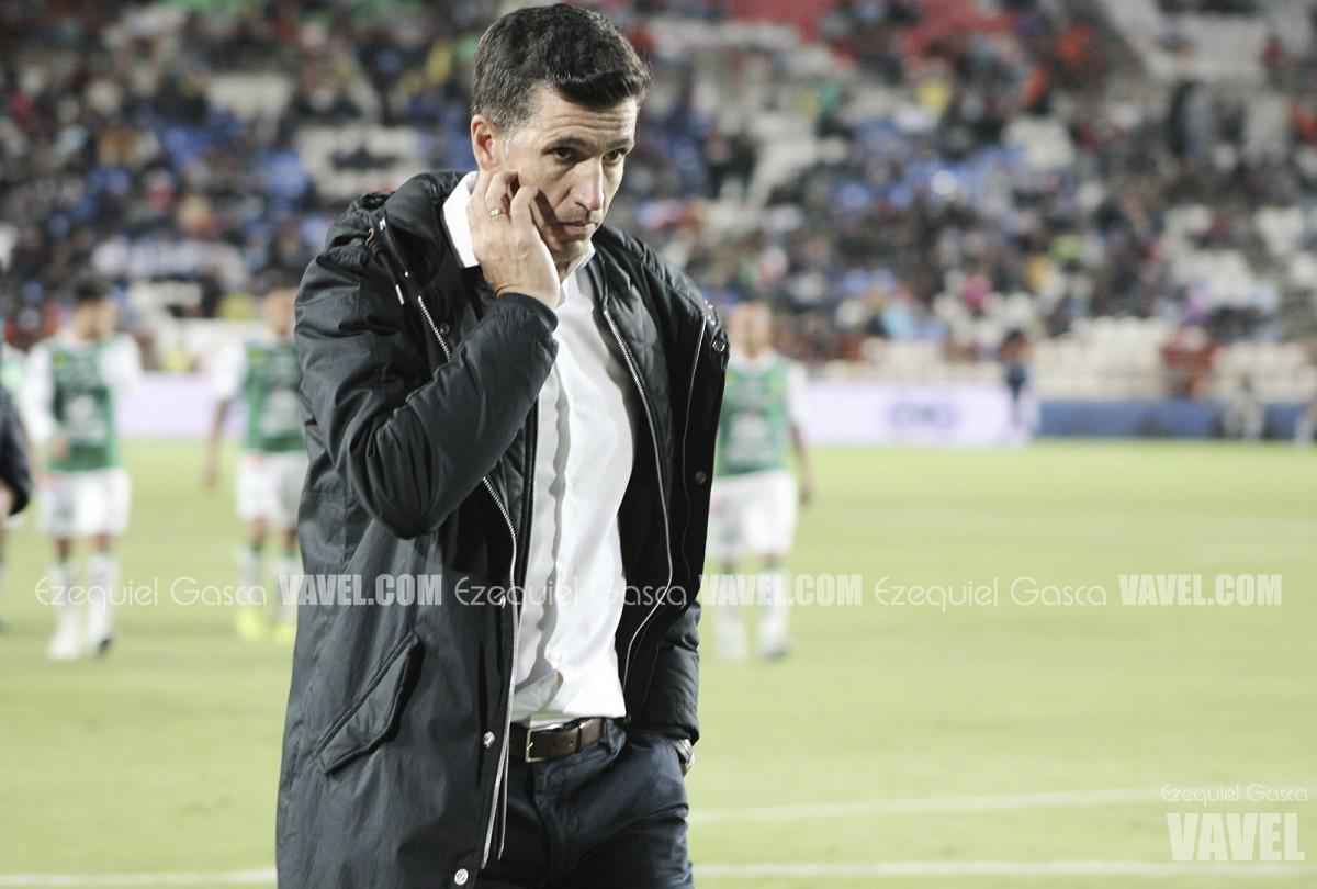 Gustavo Díaz, frustrado por el arbitraje