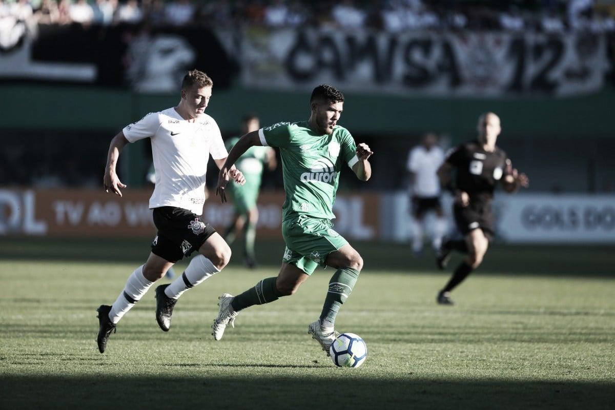 Chapecoense busca reverter placar contra Corinthians por uma vaga na semifinal da Copa do Brasil
