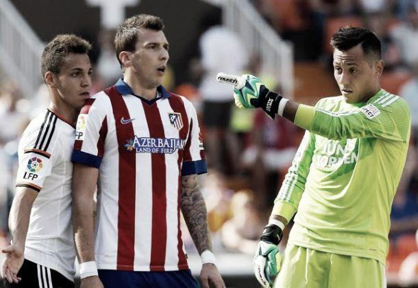 Atlético e Valência lutam pelo acesso à Liga dos Campeões