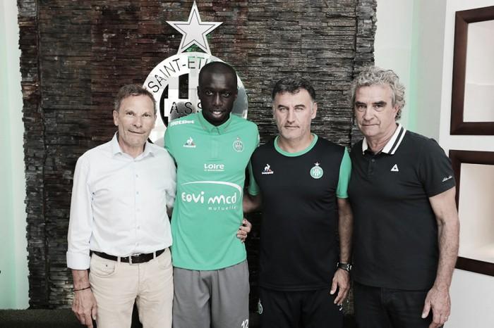 Saint-Étienne oficializa contratação do lateral senegalês Cheikh M'Bengue, ex-Rennes