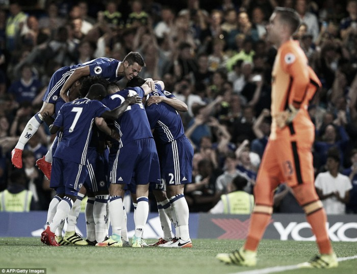 Chelsea 2-1 West Ham: Costa gets the Conte era up and running with late winner