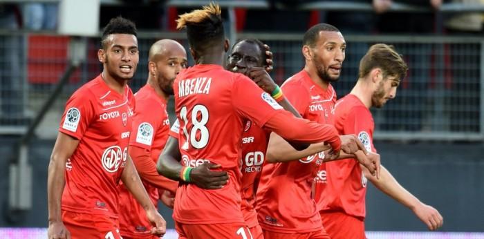 Ligue 2 : Valenciennes s'offre le leader