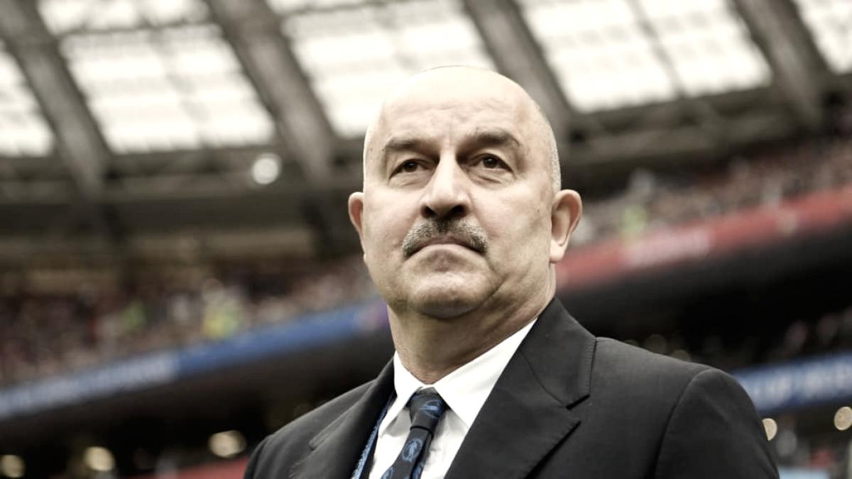 """Após goleada, Cherchesov contém euforia da Rússia: """"Precisamos esquecer esse jogo"""""""