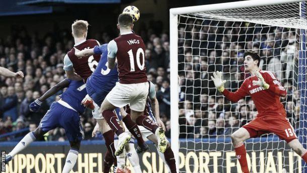 Premier League: Burnley empata Chelsea e «Citizens» agradecem