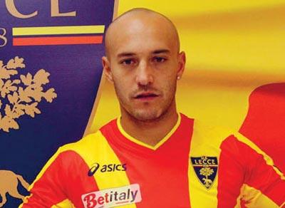 Javier Chevantón firma para 'toda la vida' con el Lecce