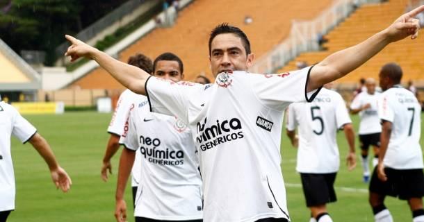 Chicão se despede do Corinthians e acerta com Flamengo