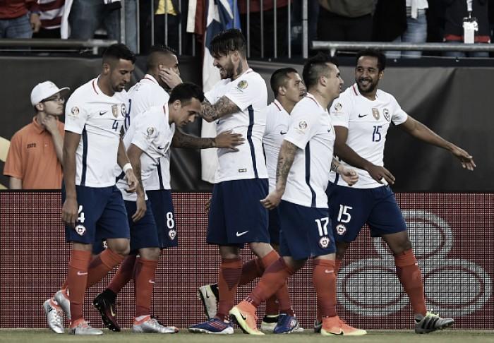 Chile vence com pênalti polêmico, elimina Bolívia e sobrevive na Copa America Centenário