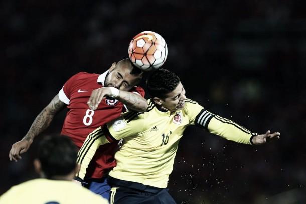 Chile sai na frente, mas James Rodríguez garante empate colombiano nas Eliminatórias