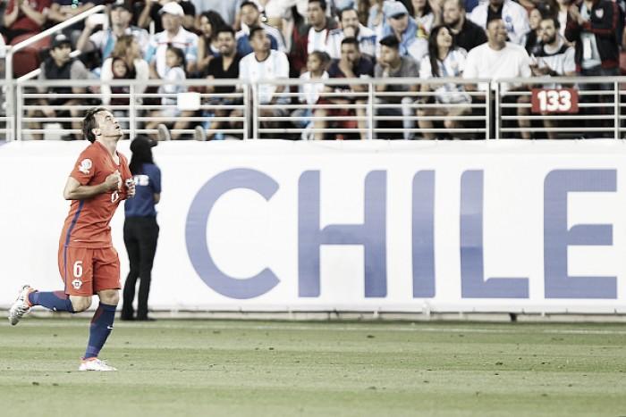 Após derrota na estreia, Chile e Bolívia medem forças por primeira vitória na Copa América