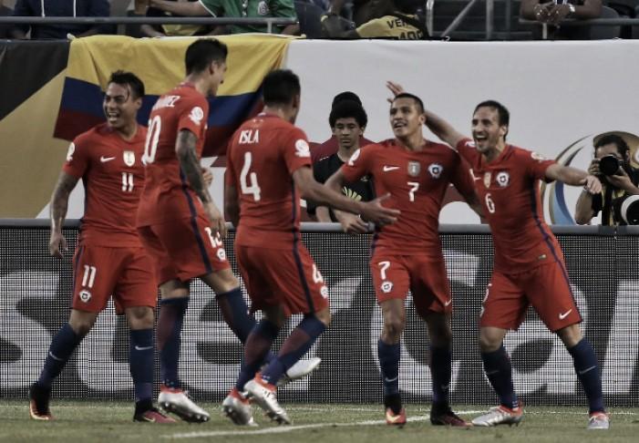 Chile vence Colômbia e reeditará decisão da Copa América contra Argentina
