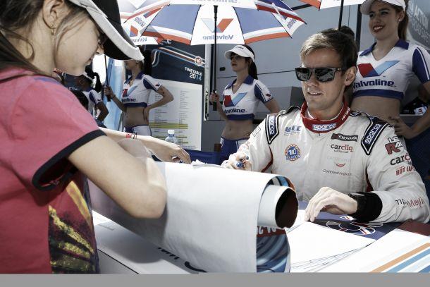 Tom Chilton seguirá en el equipo ROAL Motorsport