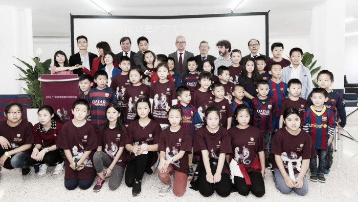 La comunidad china da la bienvenida a Dracs Units