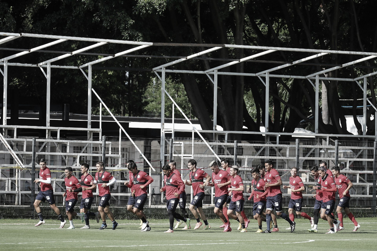 Tres jugadores causan baja para el juego de Chivas contra Pumas