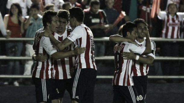 Chivas despidió de la Copa a los 'militares' del Irapuato