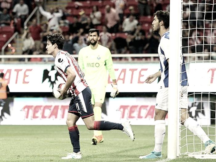 Chivas empata con Porto; Copa Tecate queda sin celebración
