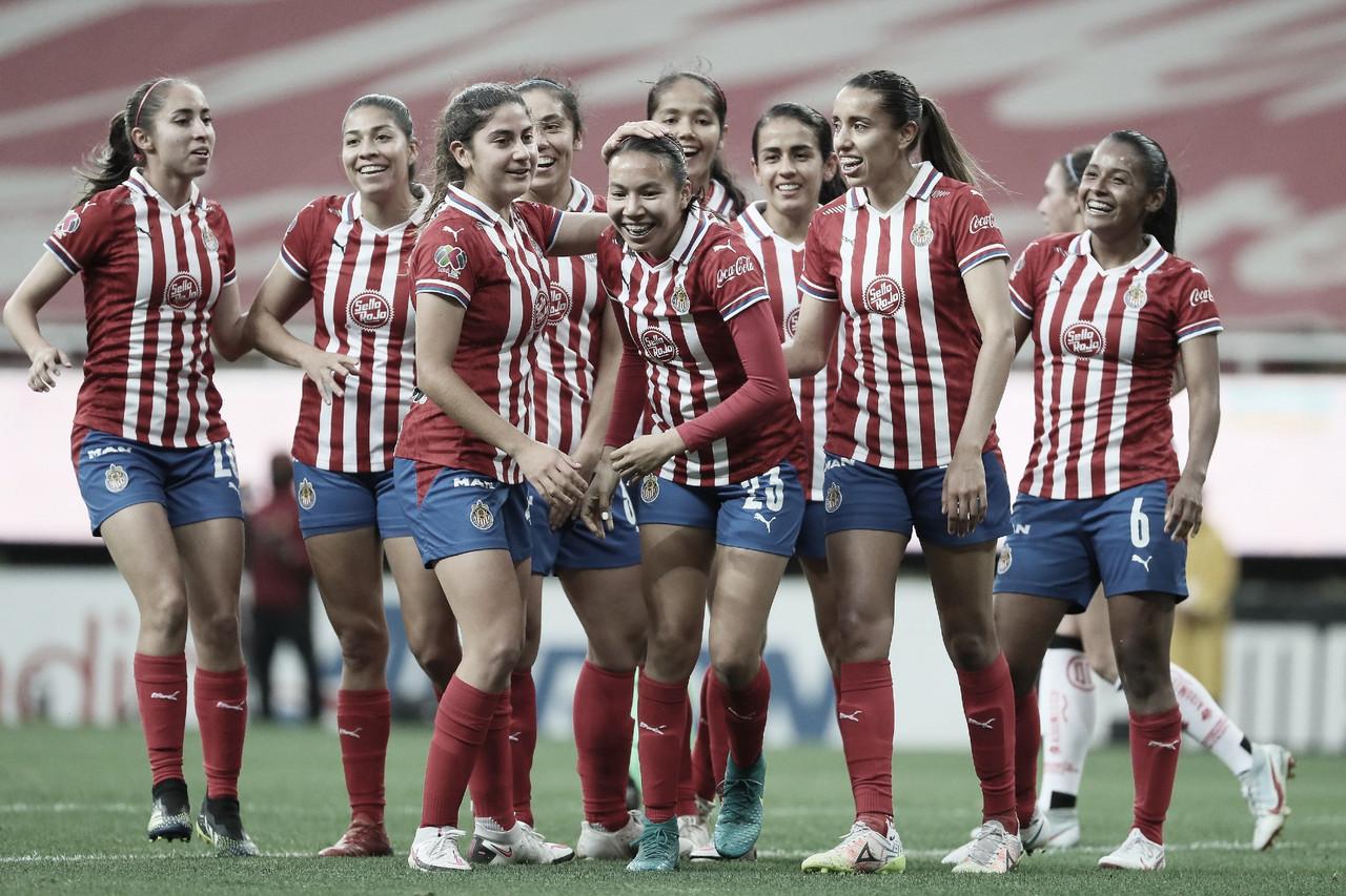 Chivas Femenil golea a Toluca y asegura semifinales